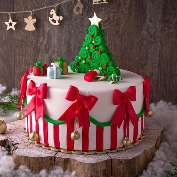 torta natalizia decorata